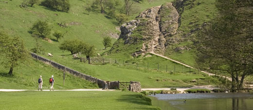 Book a holiday cottage  in the Peak District with a swimming pool and enjoy the Derbyshire Dales